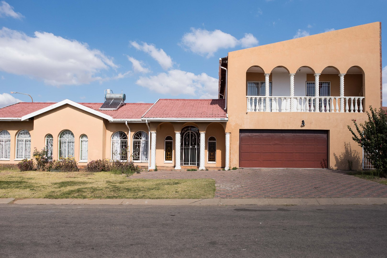 Johannesburg, Lenasia South Property  | Houses For Sale Lenasia South, Lenasia South, House 5 bedrooms property for sale Price:980,000