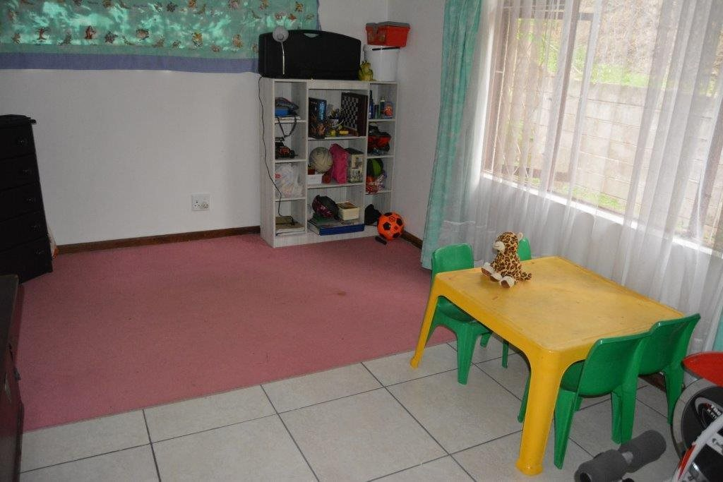 Uvongo property for sale. Ref No: 13590094. Picture no 13