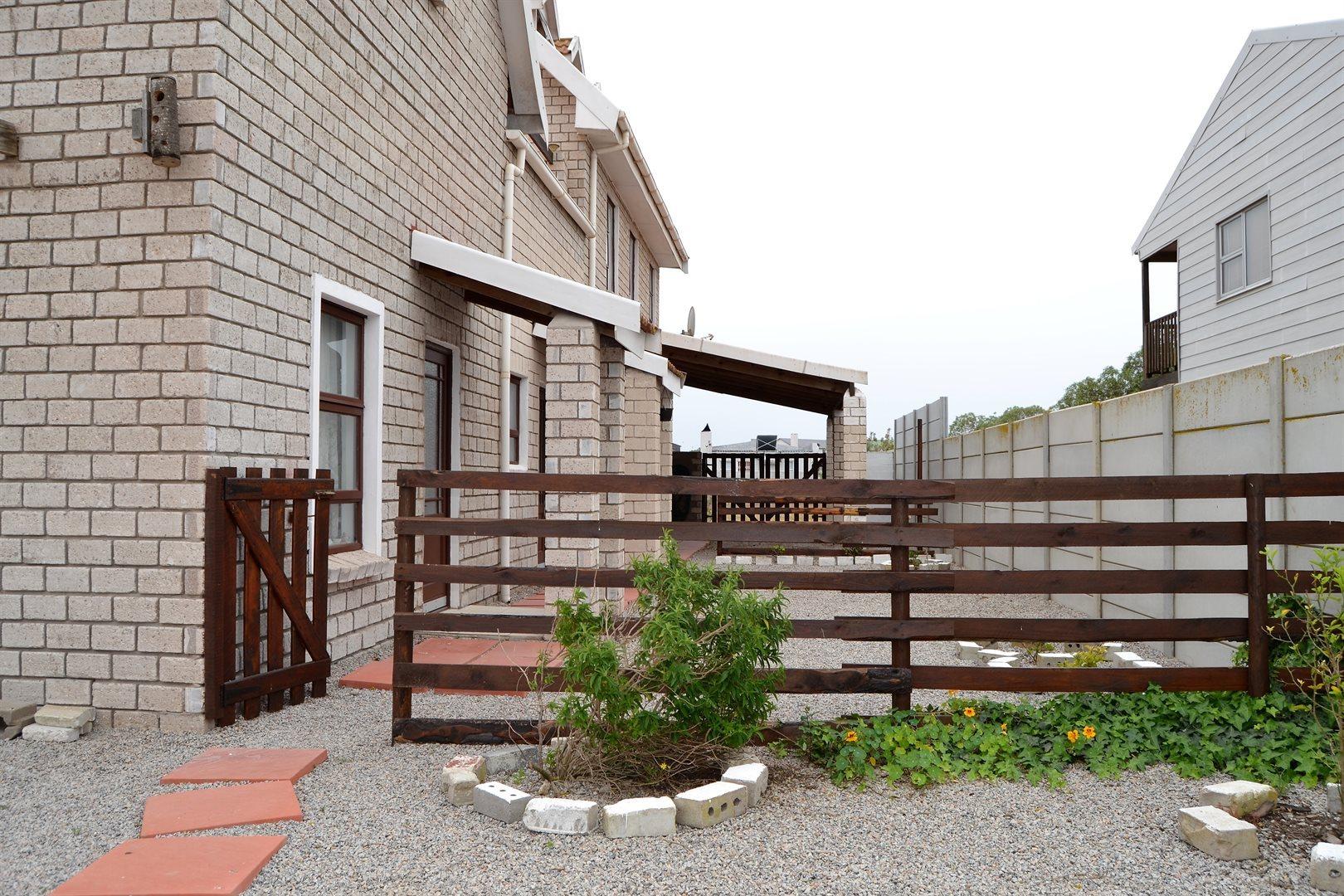 Britannia Bay property for sale. Ref No: 13539081. Picture no 33