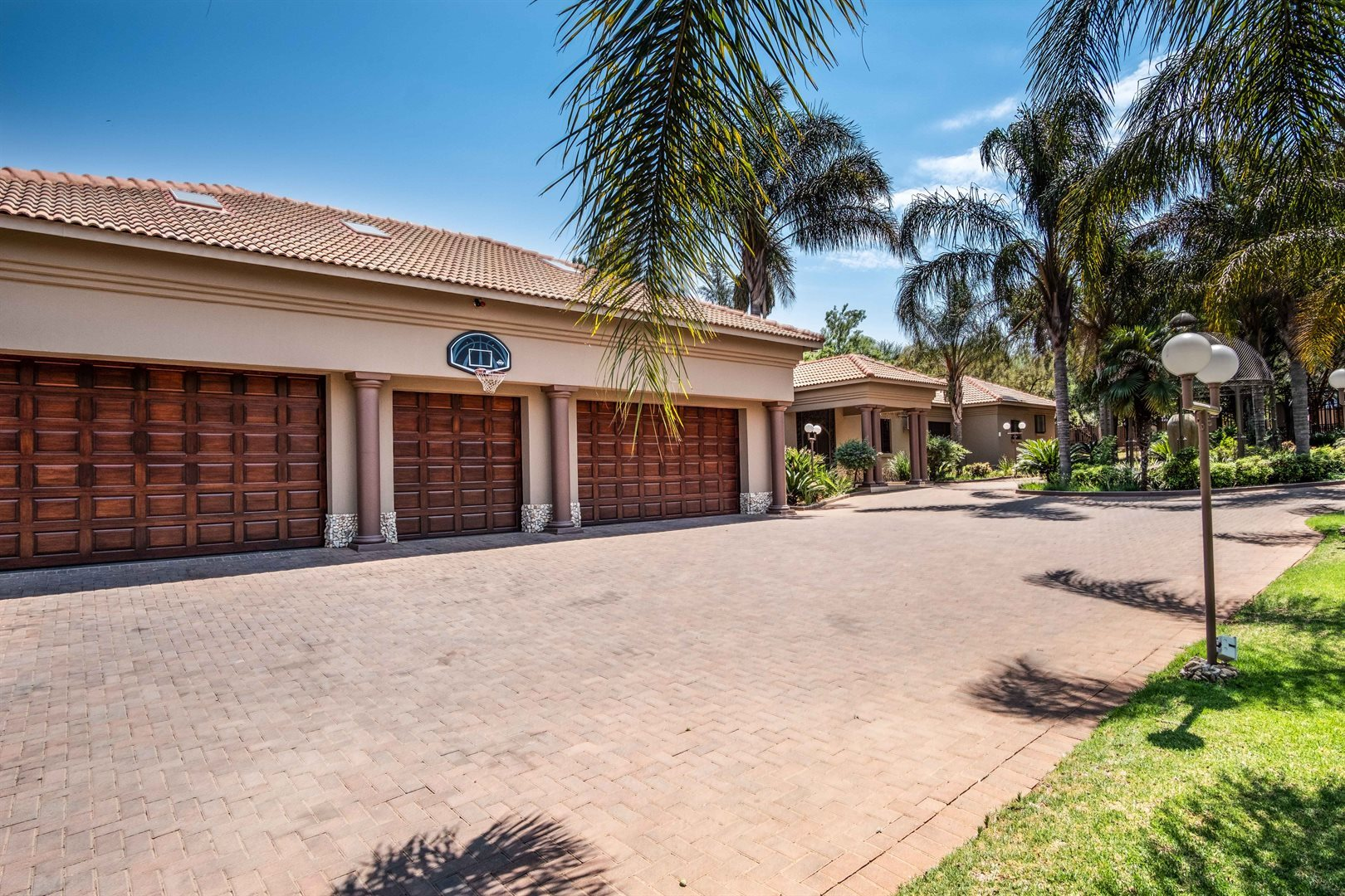 Property and Houses for sale in Raslouw, House, 8 Bedrooms - ZAR 11,900,000