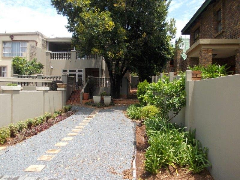 Property and Houses to rent in Centurion Golf Estate, House, 3 Bedrooms - ZAR , 28,00*,M