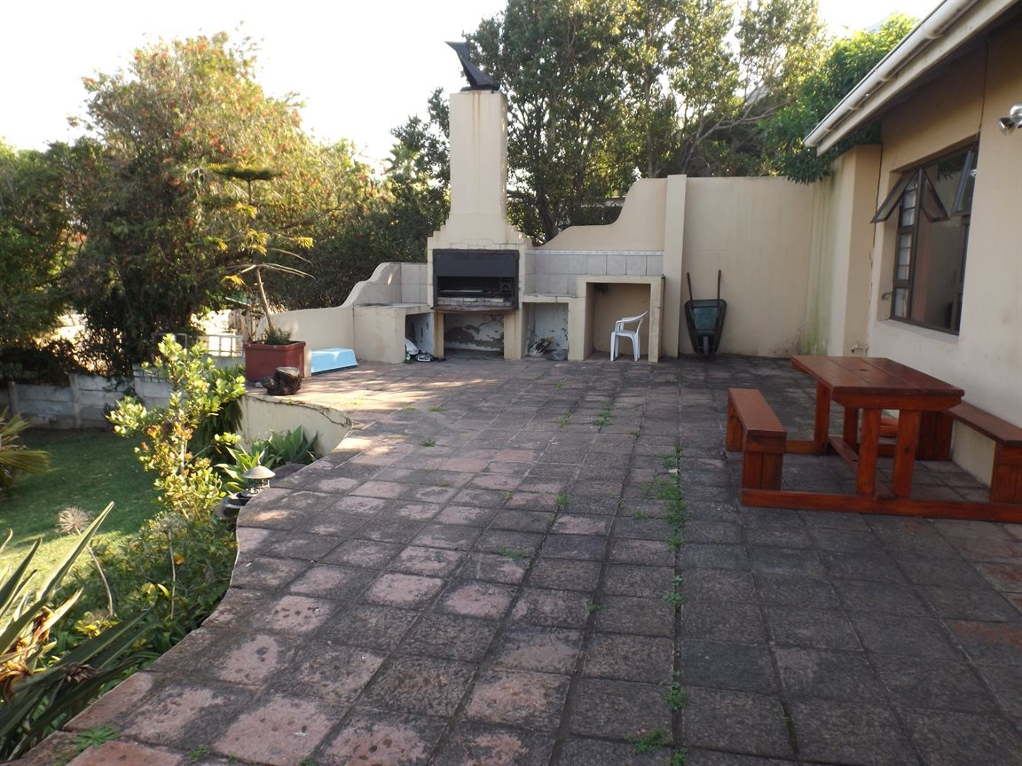 Gonubie property for sale. Ref No: 13380433. Picture no 9