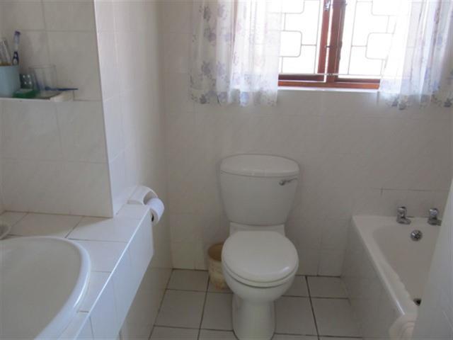 Umtentweni property for sale. Ref No: 12726712. Picture no 10