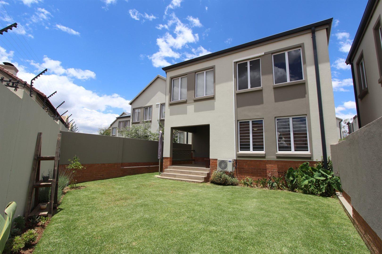 Sandton, Broadacres Property  | Houses To Rent Broadacres, Broadacres, Townhouse 3 bedrooms property to rent Price:, 17,00*