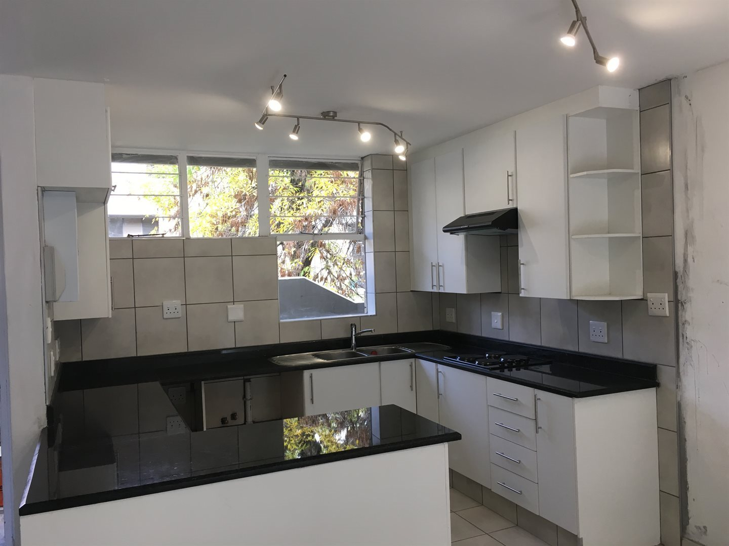 Johannesburg, Norwood Property  | Houses To Rent Norwood, Norwood, Apartment 2 bedrooms property to rent Price:, 13,00*