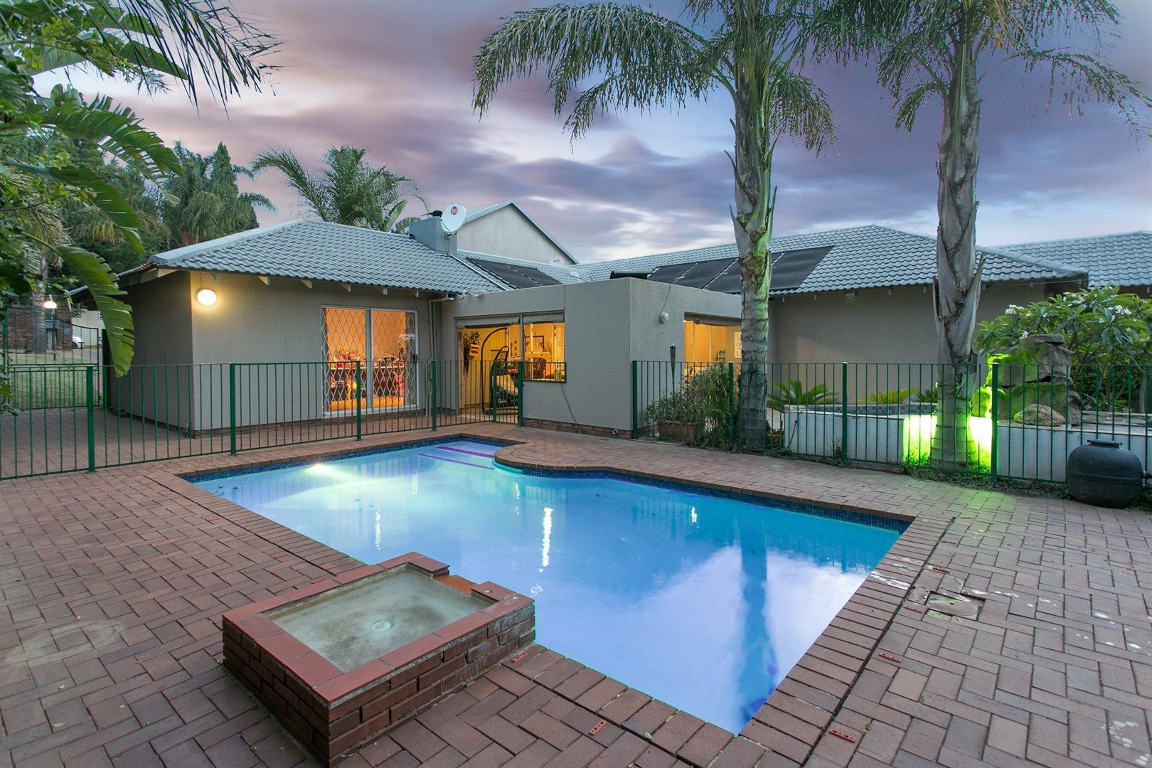 Sandton, Douglasdale Property  | Houses For Sale Douglasdale, Douglasdale, House 4 bedrooms property for sale Price:2,999,000