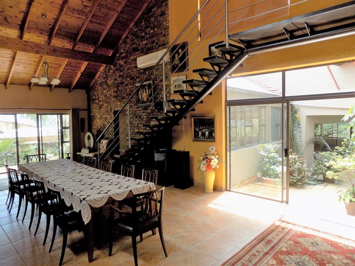 Bassonia property for sale. Ref No: 13389783. Picture no 7
