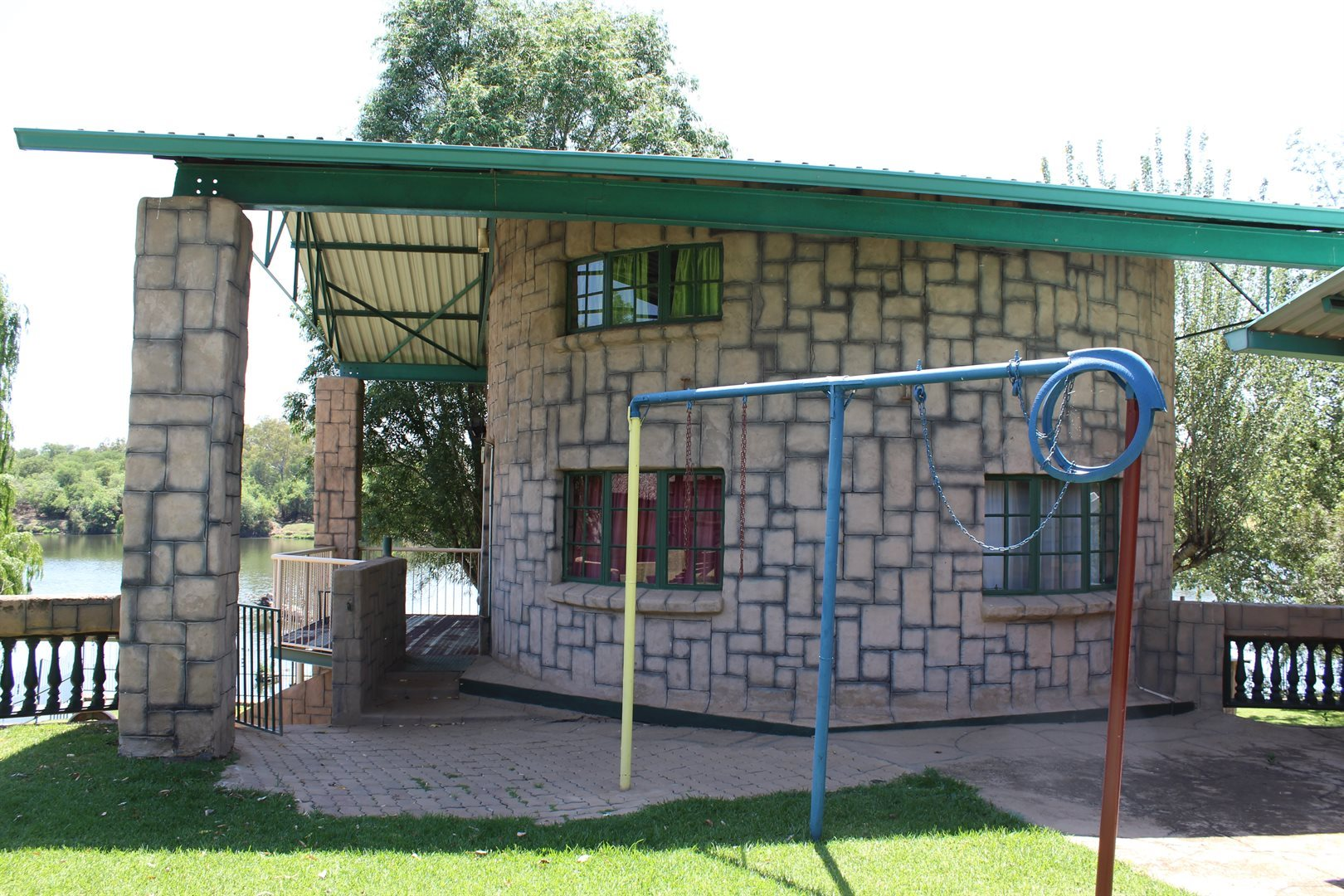 Potchefstroom property for sale. Ref No: 13551478. Picture no 9