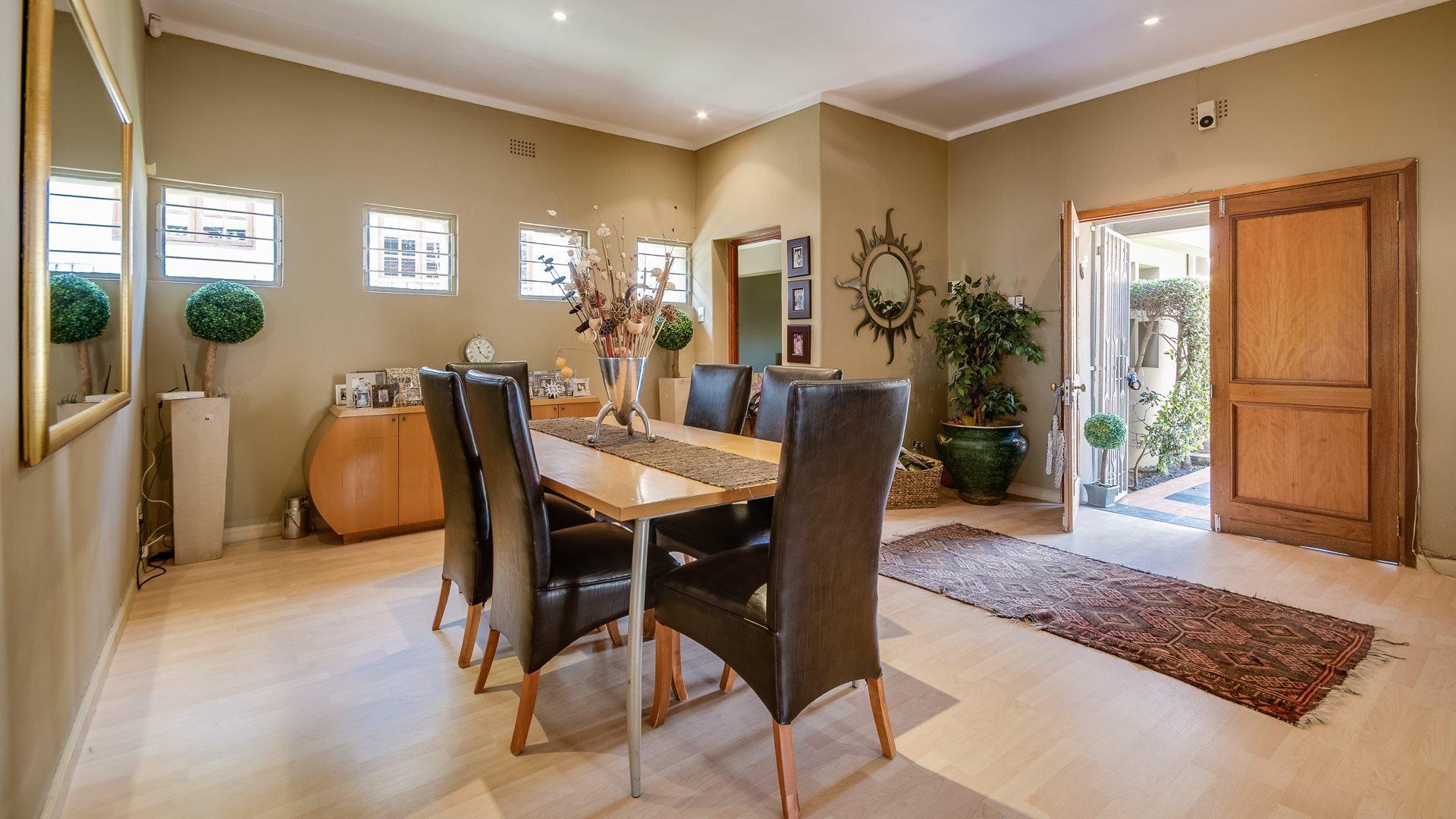 Orange Grove property for sale. Ref No: 13545446. Picture no 6