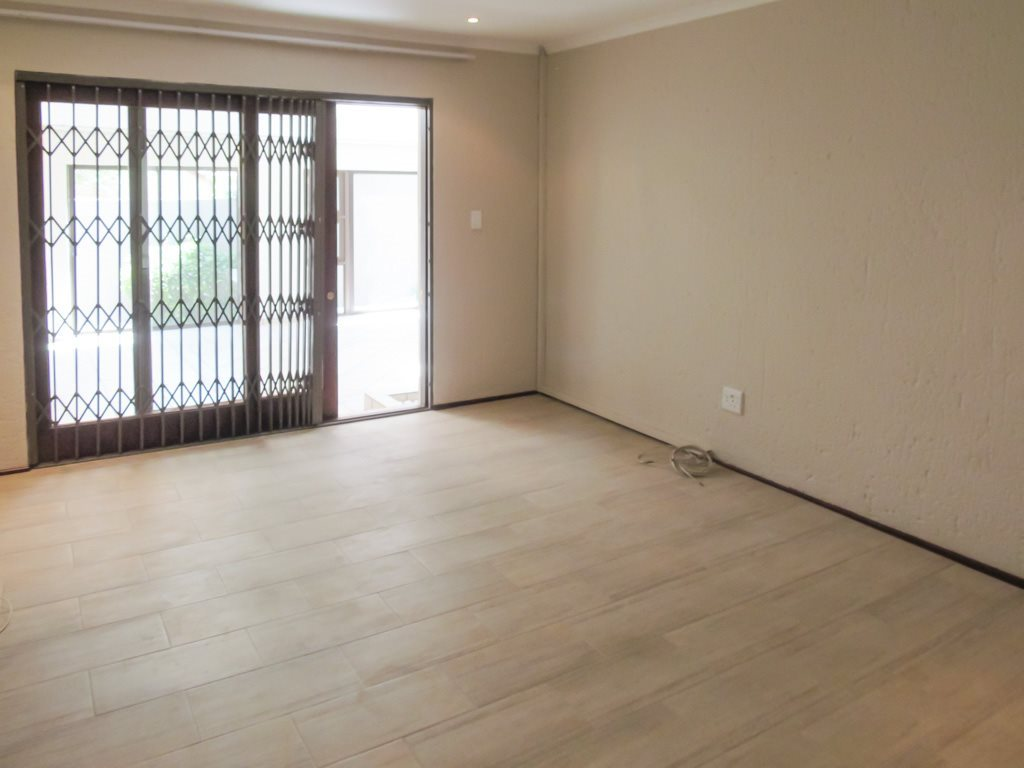 Lonehill property to rent. Ref No: 13553038. Picture no 9