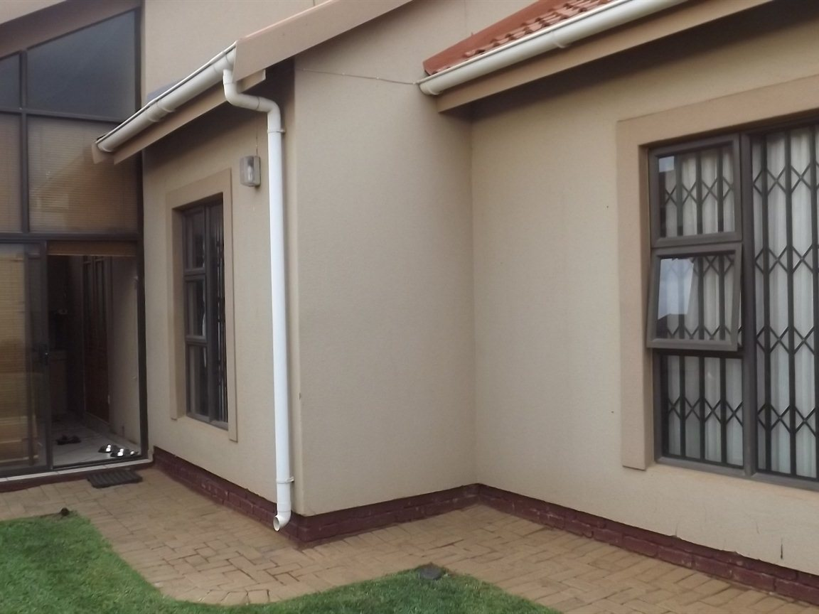 Vanderbijlpark property for sale. Ref No: 12781896. Picture no 24