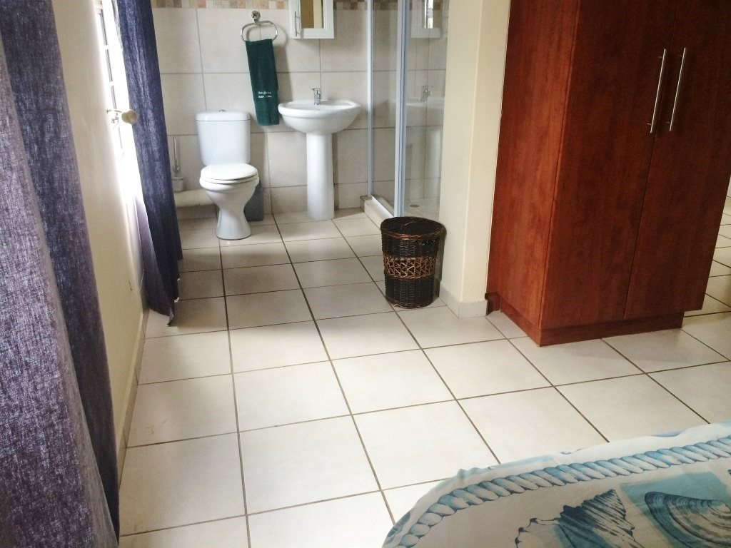 Ramsgate property for sale. Ref No: 13327302. Picture no 14