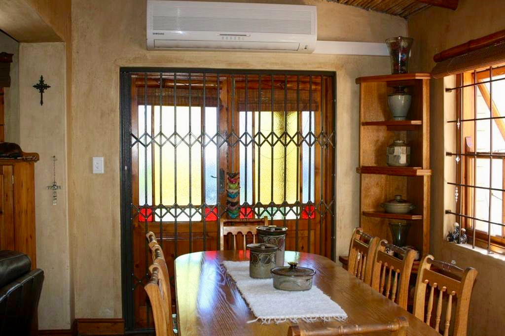 Paarl Central East property for sale. Ref No: 13549591. Picture no 3
