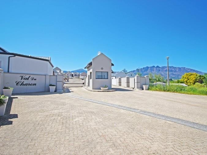 Berg En Dal property for sale. Ref No: 13551850. Picture no 1