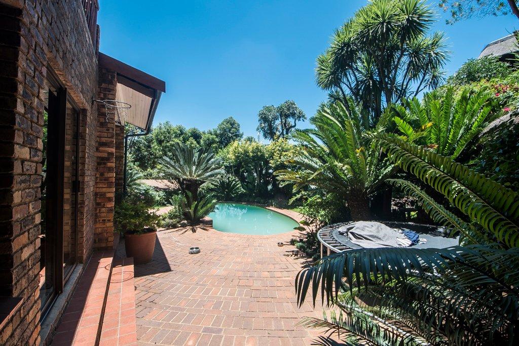 Glenvista property for sale. Ref No: 13529565. Picture no 39