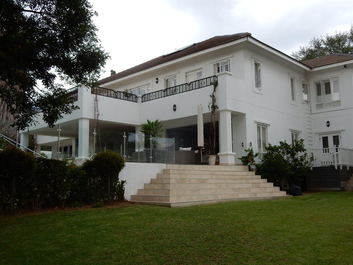 Bryanston property for sale. Ref No: 13290662. Picture no 6
