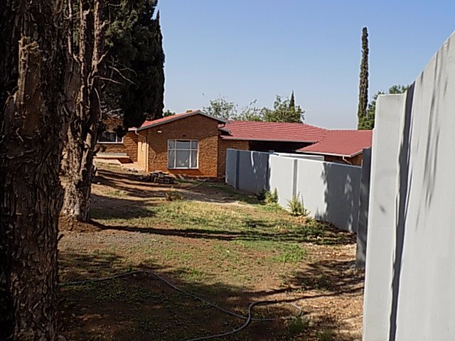 Naturena property for sale. Ref No: 13552045. Picture no 4