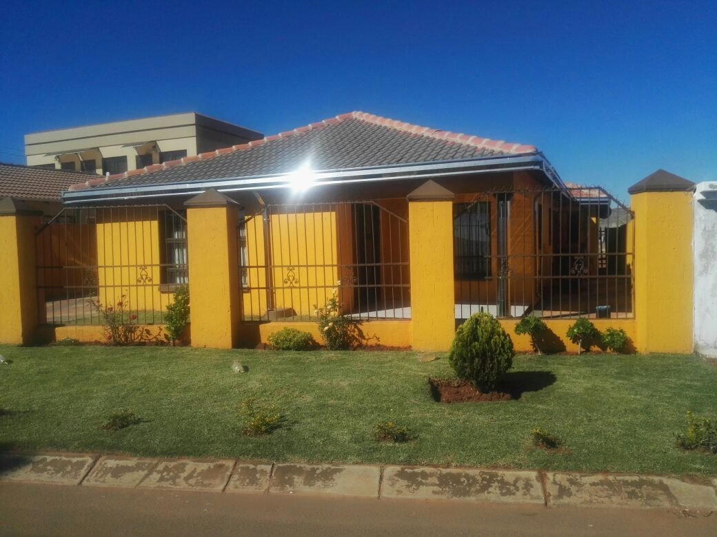 Soweto, Protea Glen Property  | Houses For Sale Protea Glen, Protea Glen, House 4 bedrooms property for sale Price:820,000