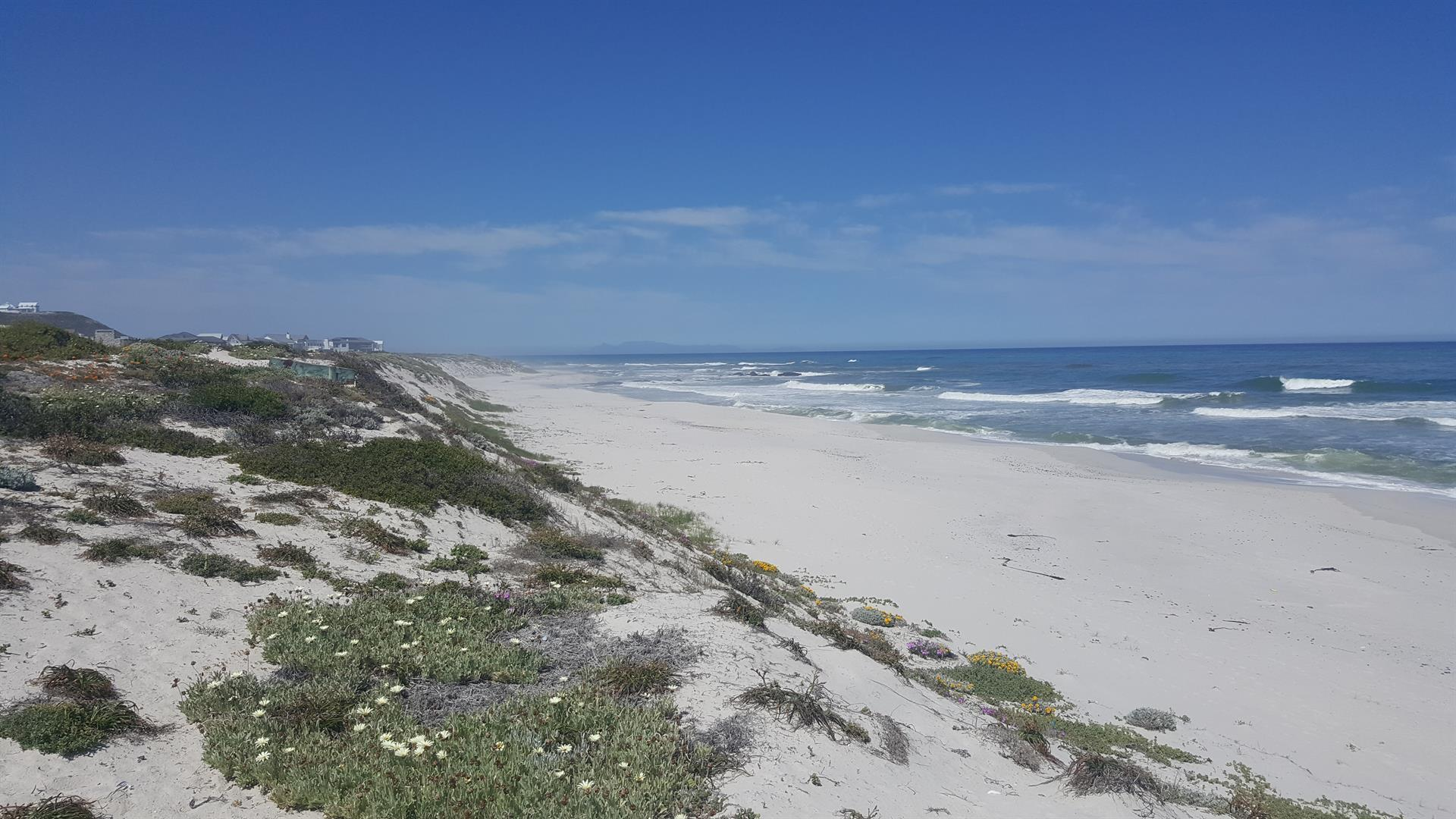 Yzerfontein property for sale. Ref No: 13452380. Picture no 8