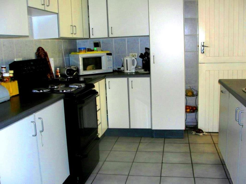 Uvongo property for sale. Ref No: 12796684. Picture no 8