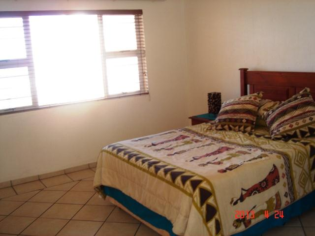 Uvongo property for sale. Ref No: 12735443. Picture no 13