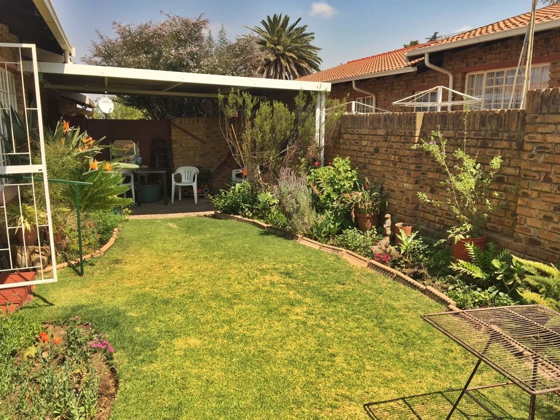 Krugersdorp North property for sale. Ref No: 13402342. Picture no 4