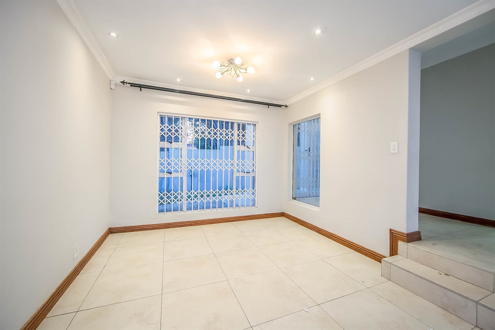 Lonehill property for sale. Ref No: 13510684. Picture no 12