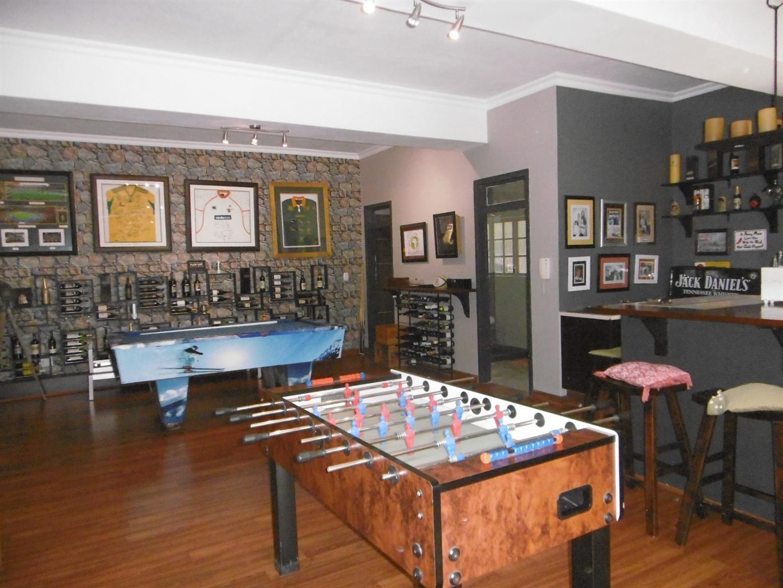 Bryanston property for sale. Ref No: 13443961. Picture no 16