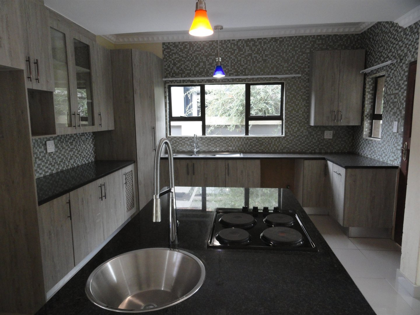 Willow Acres Estate property for sale. Ref No: 13473861. Picture no 4