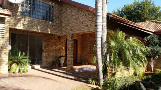 Property and Houses to rent in Centurion Golf Estate, House, 3 Bedrooms - ZAR , 13,00*,M