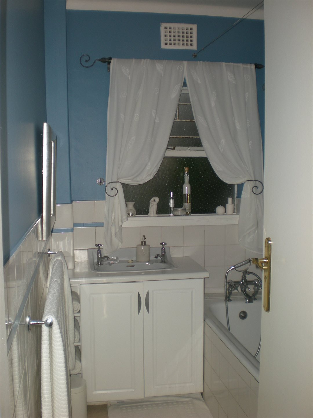 Newlands property to rent. Ref No: 13502606. Picture no 3