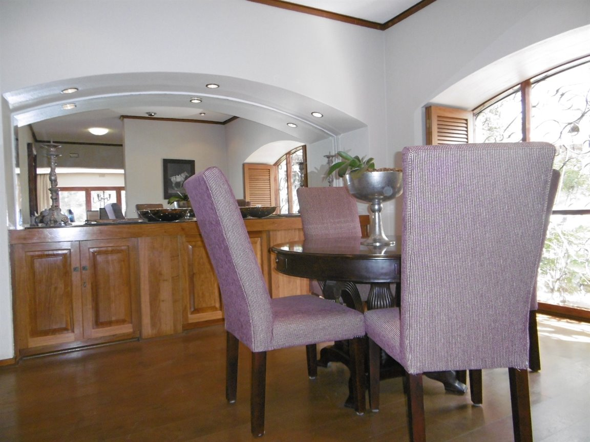 Bryanston property for sale. Ref No: 13389969. Picture no 15