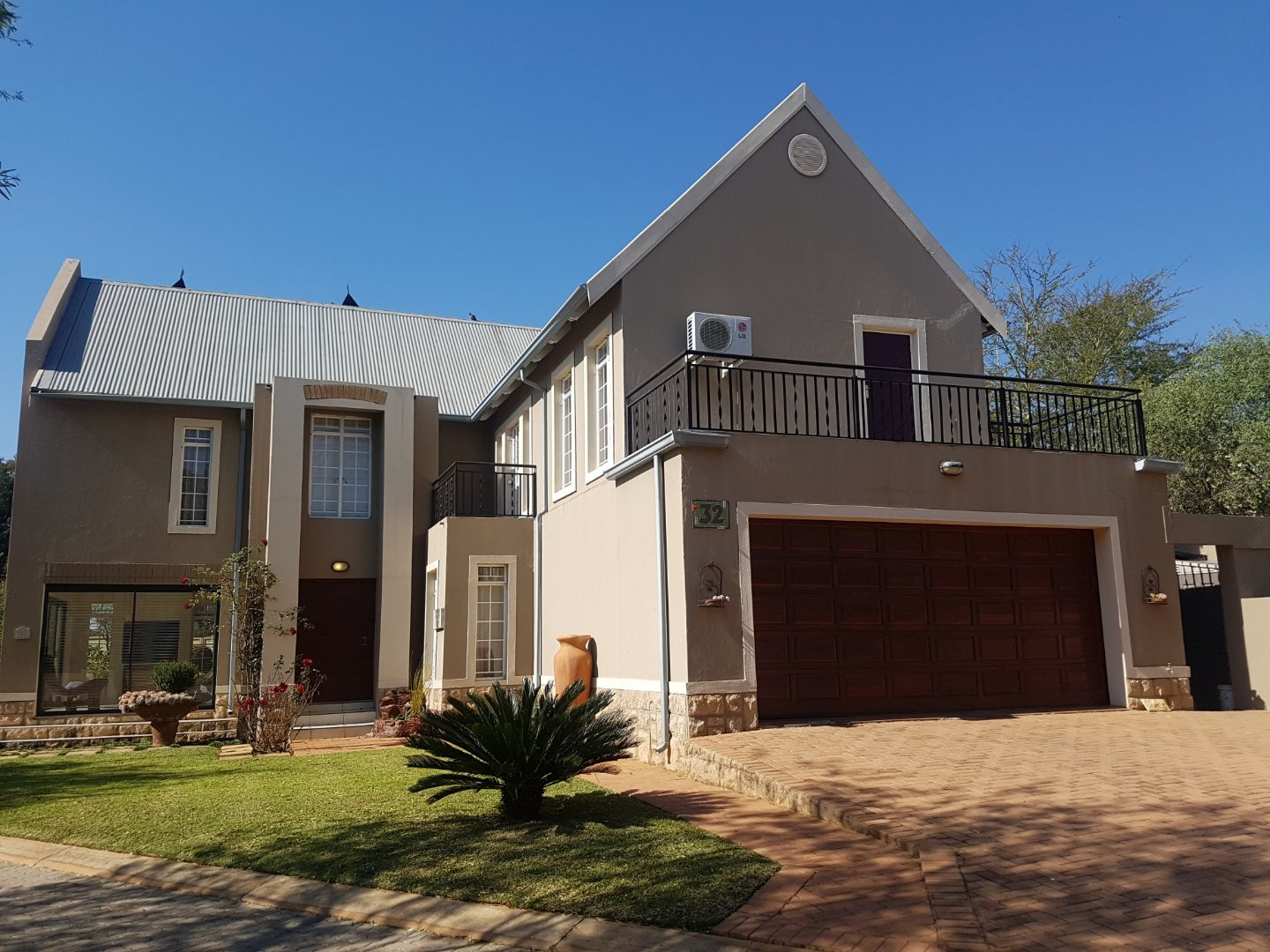 Property and Houses for sale in Cullinan, House, 4 Bedrooms - ZAR 2,450,000