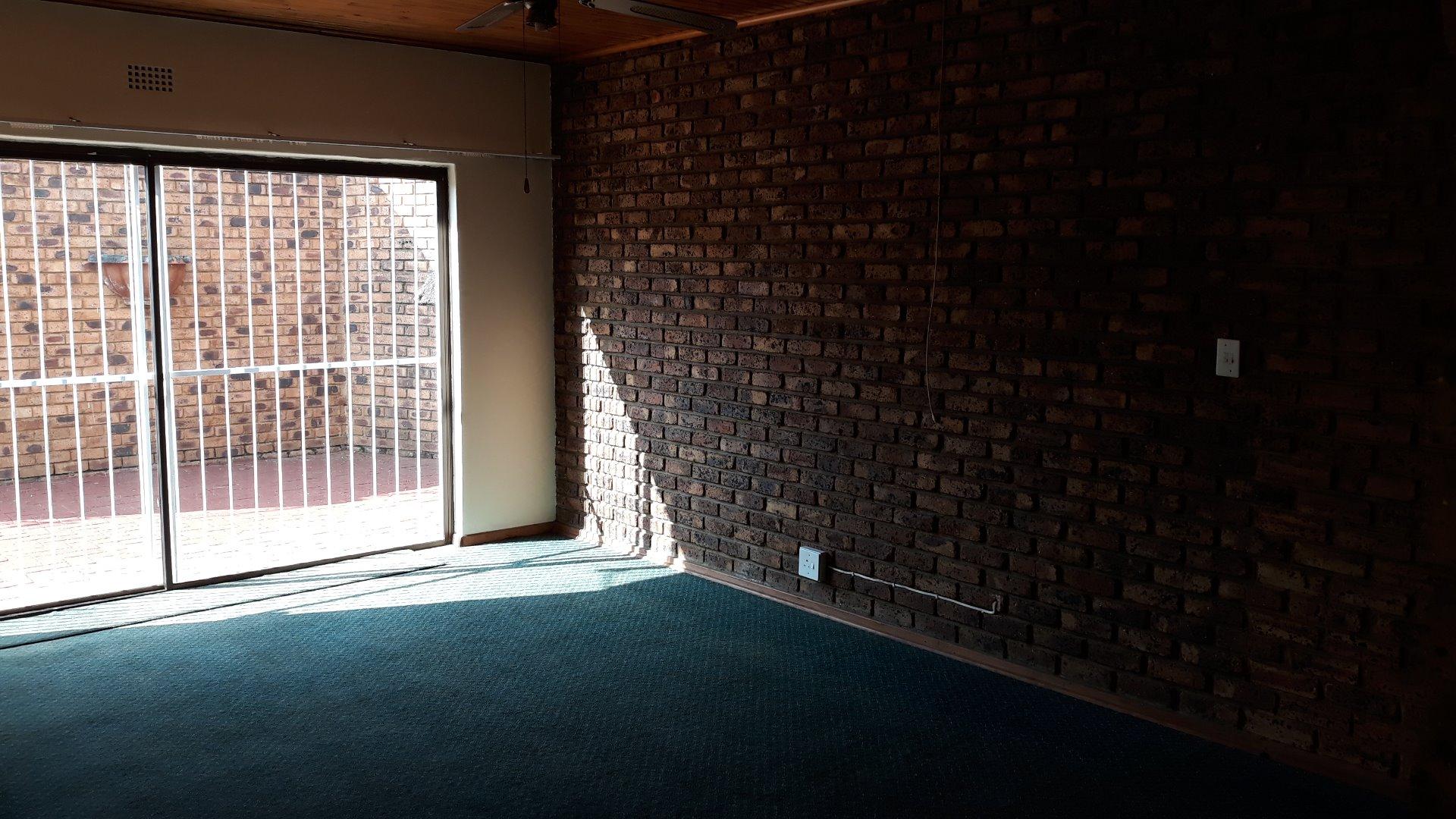 Culemborg Park property for sale. Ref No: 13622966. Picture no 13