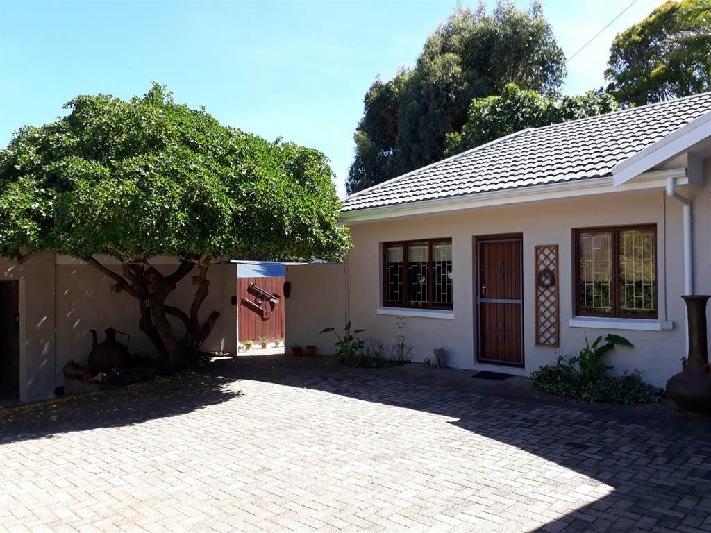 Cape Town, Constantia Property  | Houses To Rent Constantia, Constantia, House 2 bedrooms property to rent Price:, 21,00*