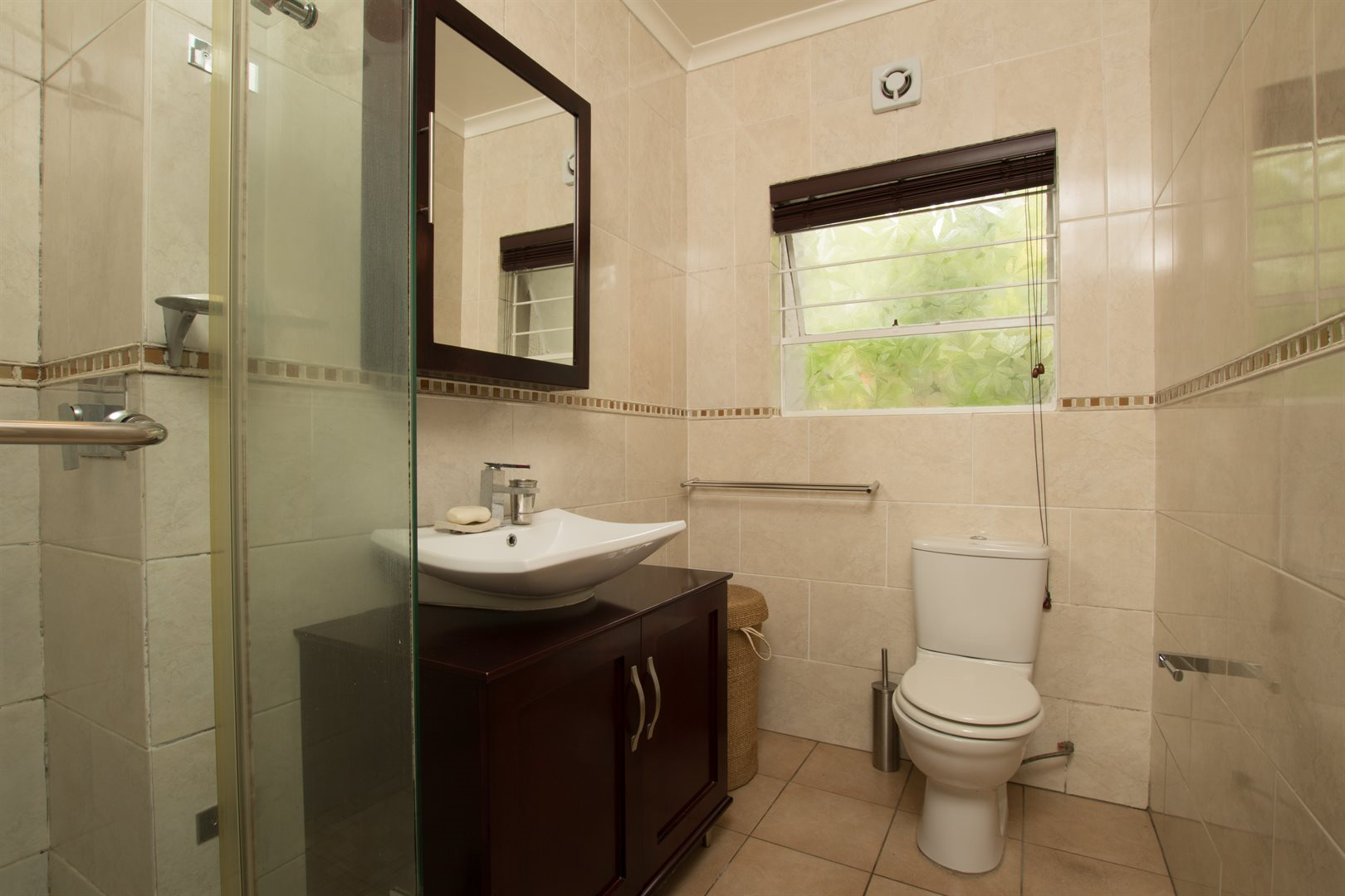 Lonehill property for sale. Ref No: 13566031. Picture no 11