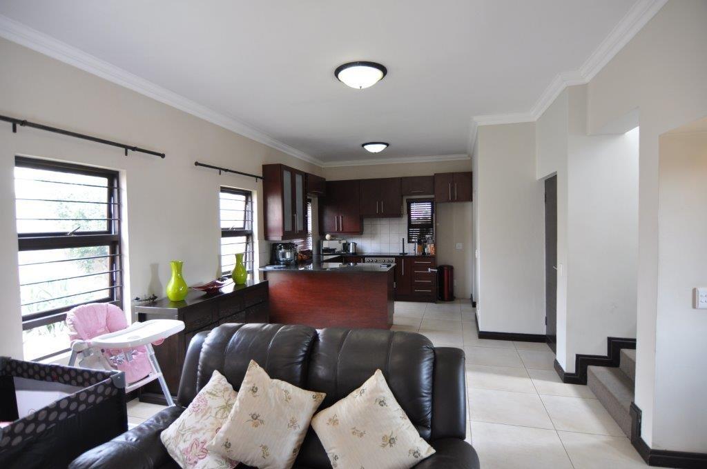 Broadacres property to rent. Ref No: 13503978. Picture no 3