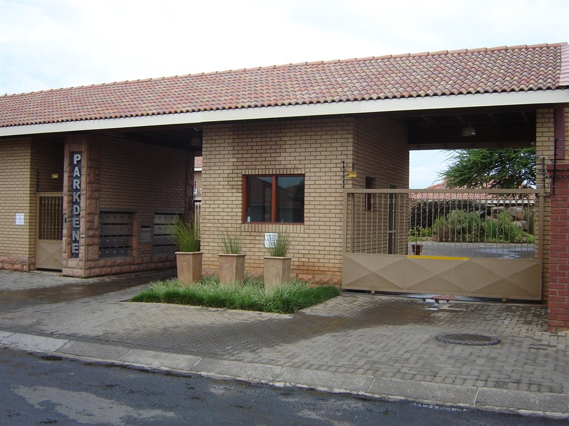 Property and Houses for sale in Northern Cape - Page 4, House, 4 Bedrooms - ZAR 2,350,000