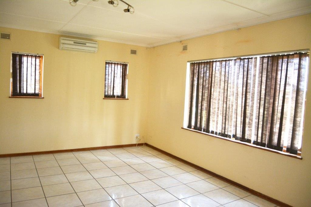 Port Shepstone property for sale. Ref No: 12778895. Picture no 4