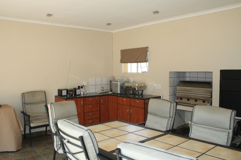 Hennopspark property for sale. Ref No: 13510013. Picture no 17