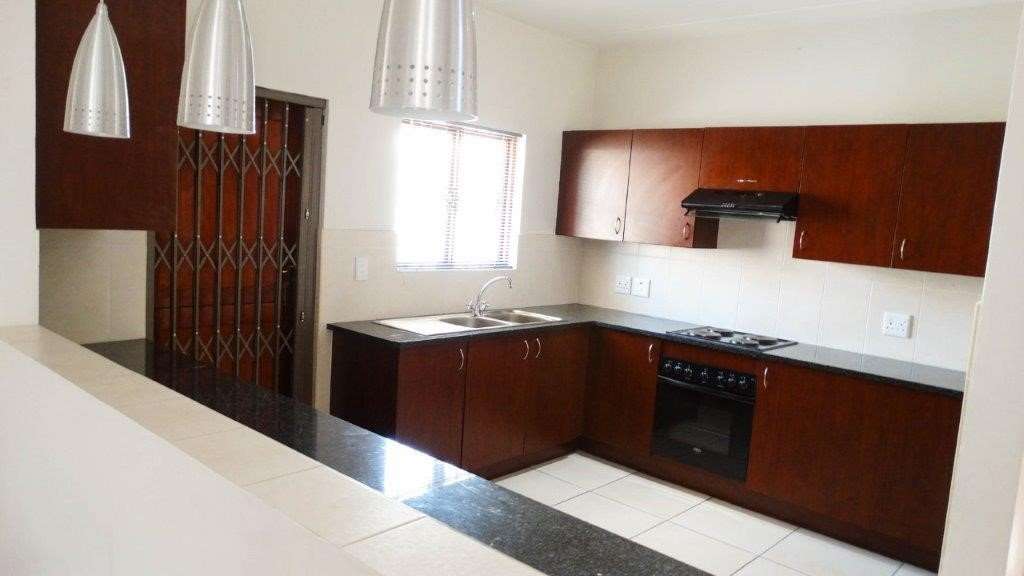 Broadacres property to rent. Ref No: 13423040. Picture no 3