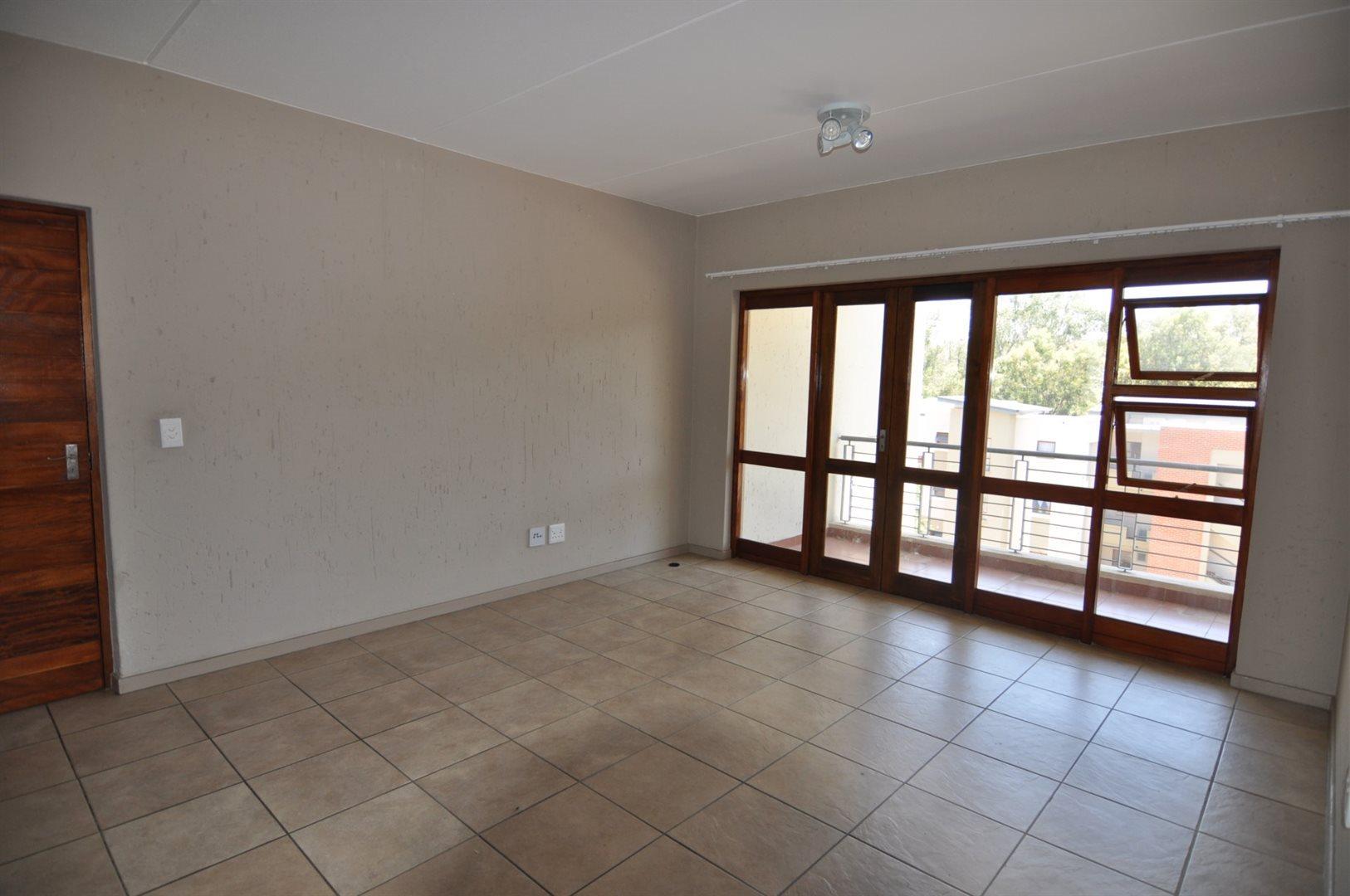 Douglasdale property to rent. Ref No: 13466650. Picture no 11