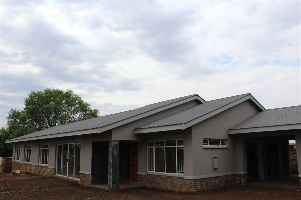 Potchefstroom, Suid Sentraal Oos Property  | Houses For Sale Suid Sentraal Oos, Suid Sentraal Oos, House 3 bedrooms property for sale Price:1,720,000