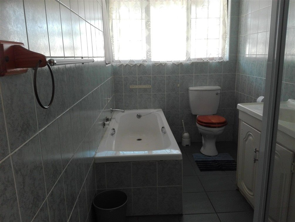 Uvongo property for sale. Ref No: 13360295. Picture no 21