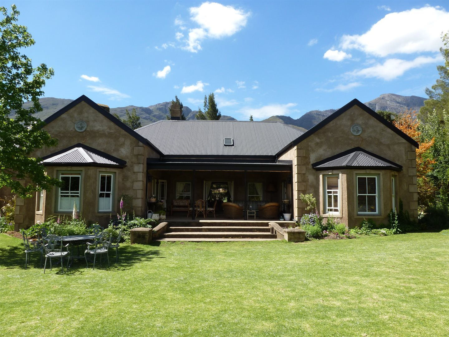 Franschhoek property for sale. Ref No: 13331892. Picture no 2