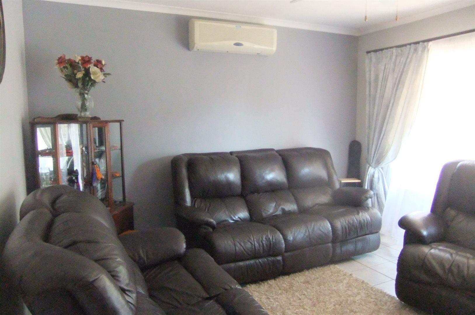 Doornpoort property for sale. Ref No: 13529208. Picture no 2