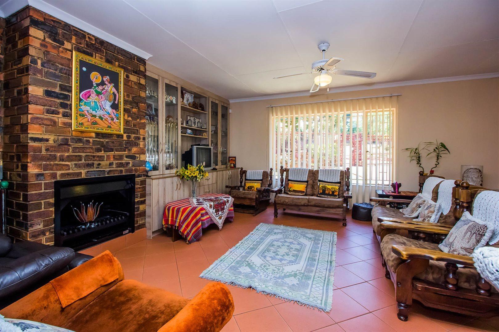 Elarduspark property for sale. Ref No: 13553870. Picture no 2