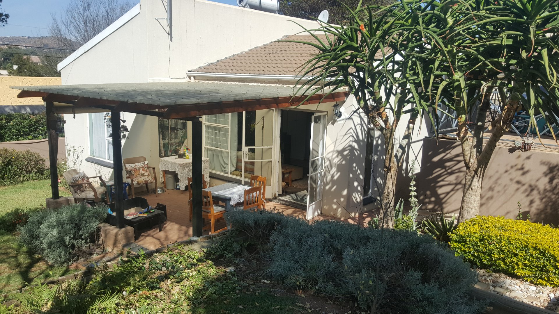 Roodepoort, Wilgeheuwel & Ext Property  | Houses For Sale Wilgeheuwel & Ext, Wilgeheuwel & Ext, House 2 bedrooms property for sale Price:1,150,000