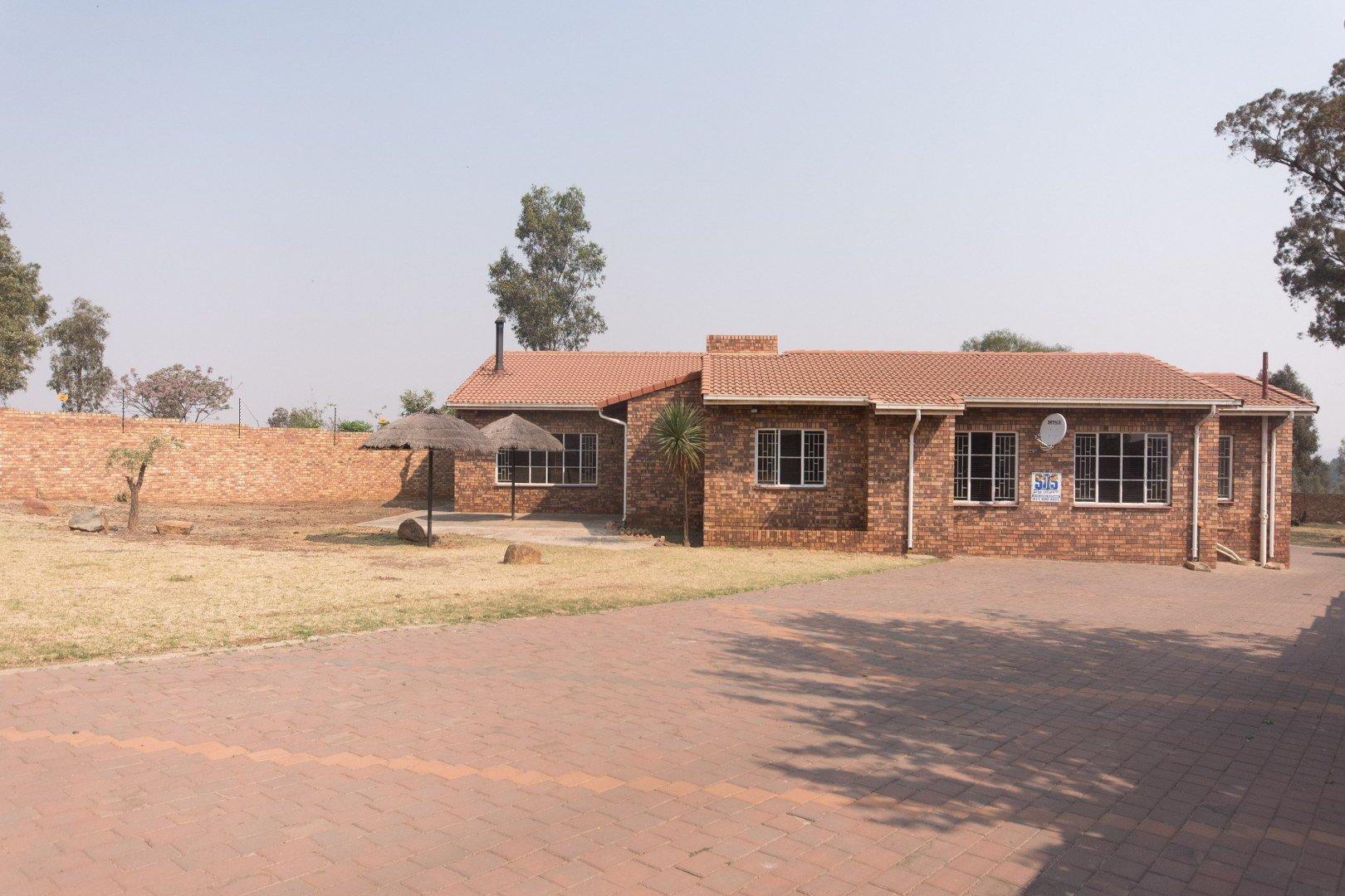 Property for Sale by Nicole   Zahiya Ferreira, House, 3 Bedrooms - ZAR 1,800,000
