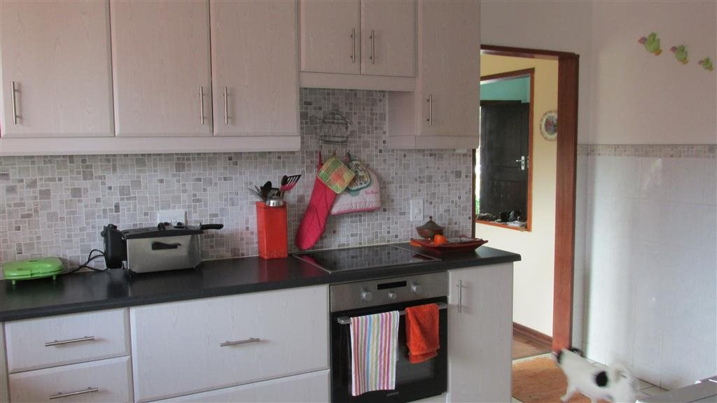Ramsgate property for sale. Ref No: 13348810. Picture no 7